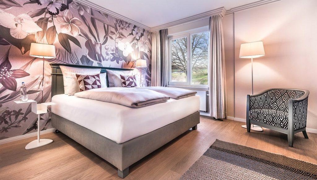 Das Zimmer Zarte Botanik im Hotel Treudelberg