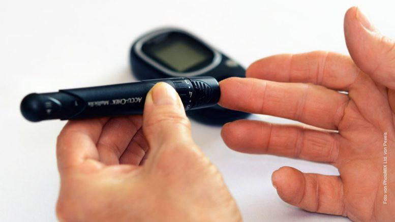 Blutzucker mit Gerät messen