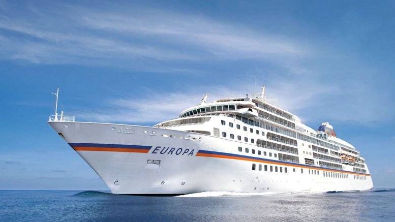 Das Kreuzfahrtschiff MS Europa 2 auf See