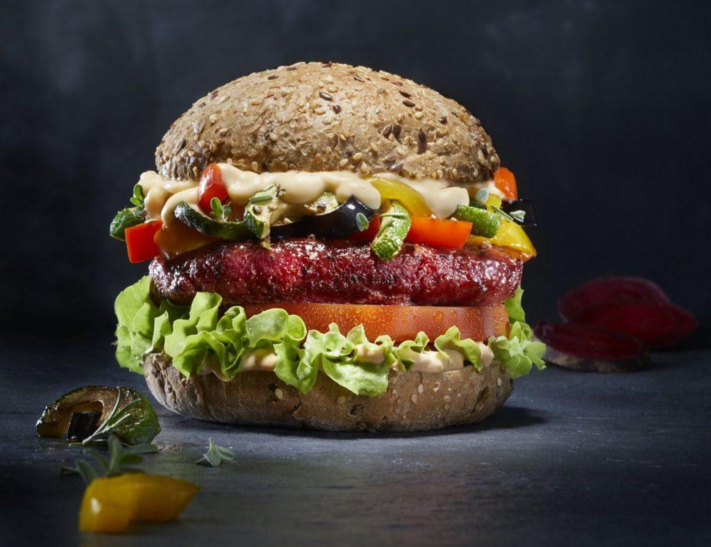 Rote Beete Burger bei Peter Pane neu im Sortiment