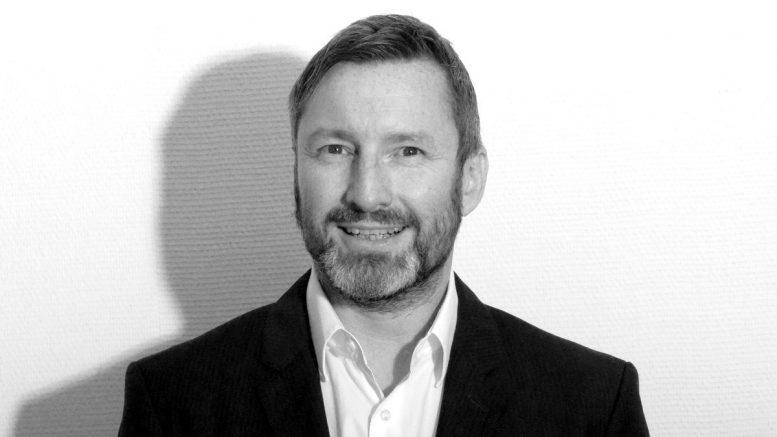 Der Hamburger Rechtsanwalt André Schenk, schwarzweiß Foto