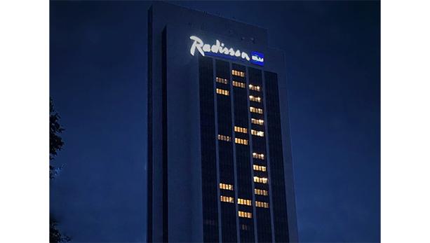Wiedererföffnungs Countdown auf dem Radisson Blu Hotel
