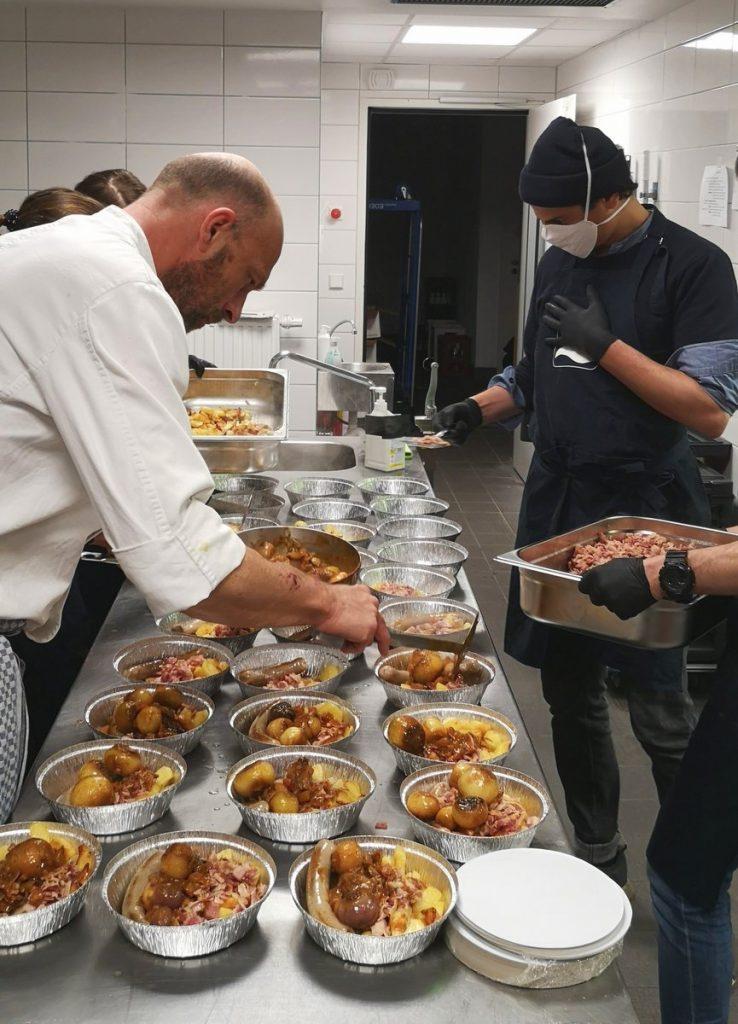 Mahrlzeiten werden für #wirfuerdich portioniert
