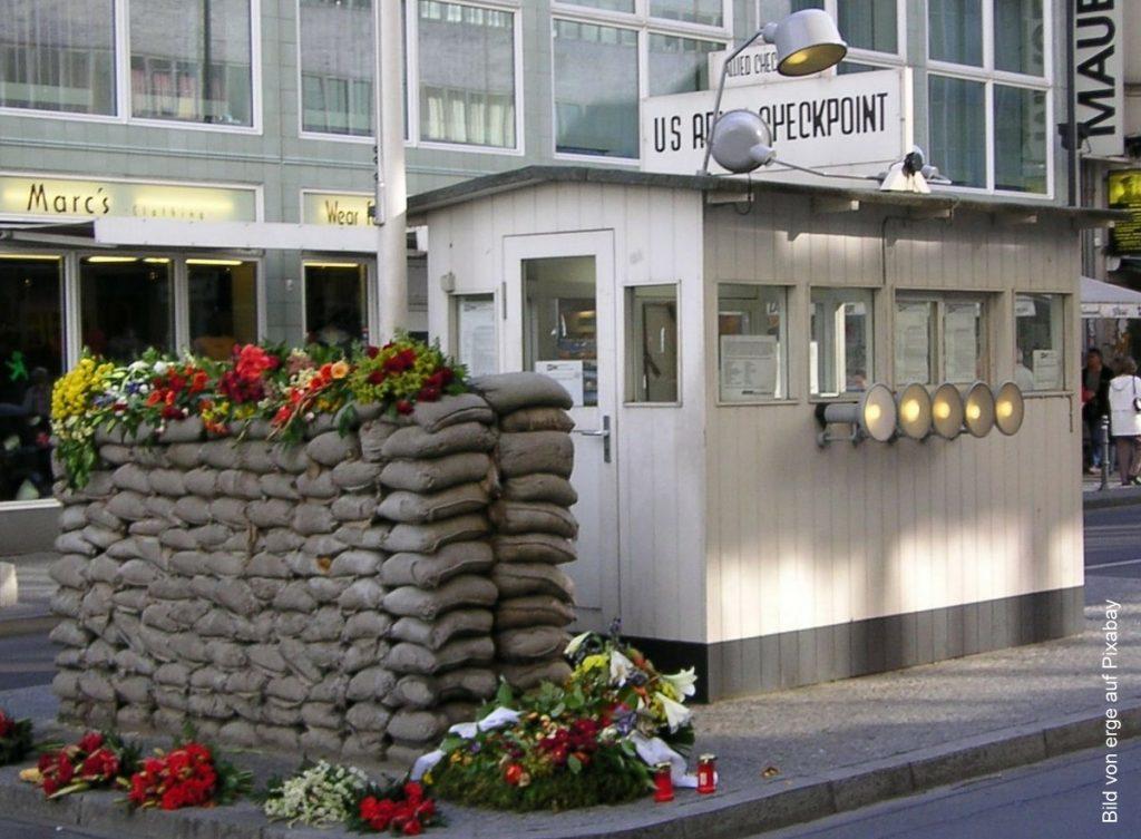 Berlin die Checkpoint Charlie Baracke