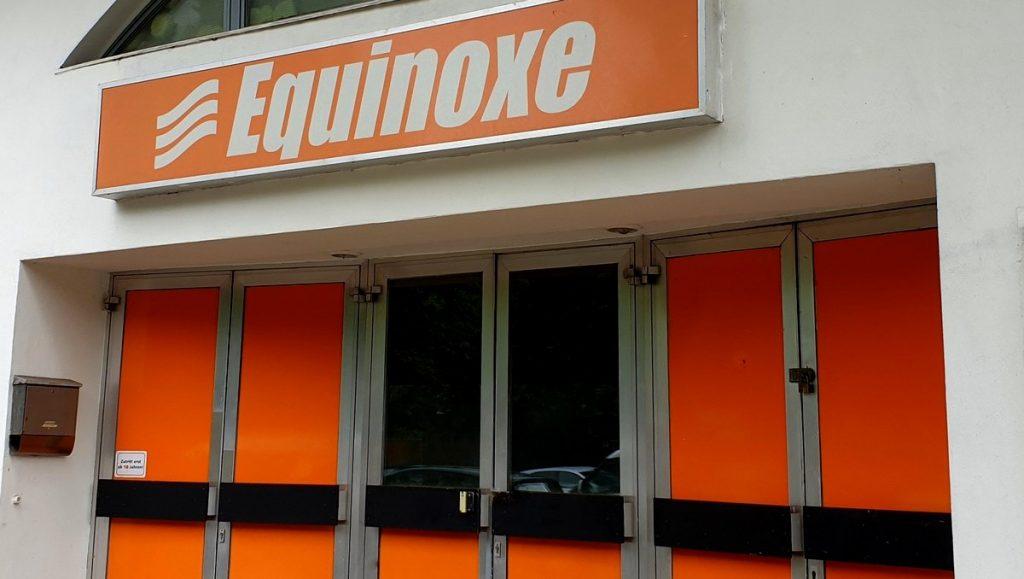 Eingangstüren zum Club Equinoxe Hamburg