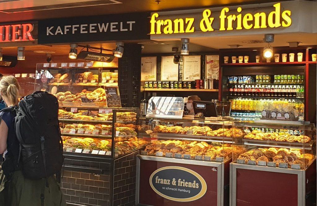 Der Franzbrötchen-Shop franz & friends auf dem Hamburger Hauptbahnho