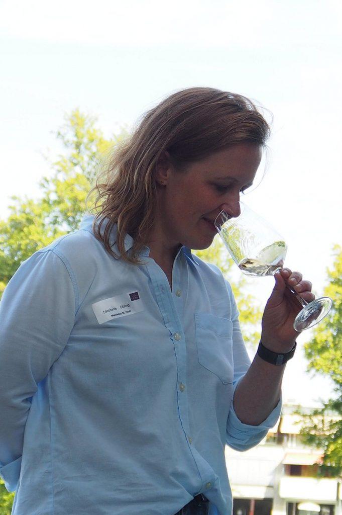 Sommelière und Cairanne-Expertin Stephanie Döring