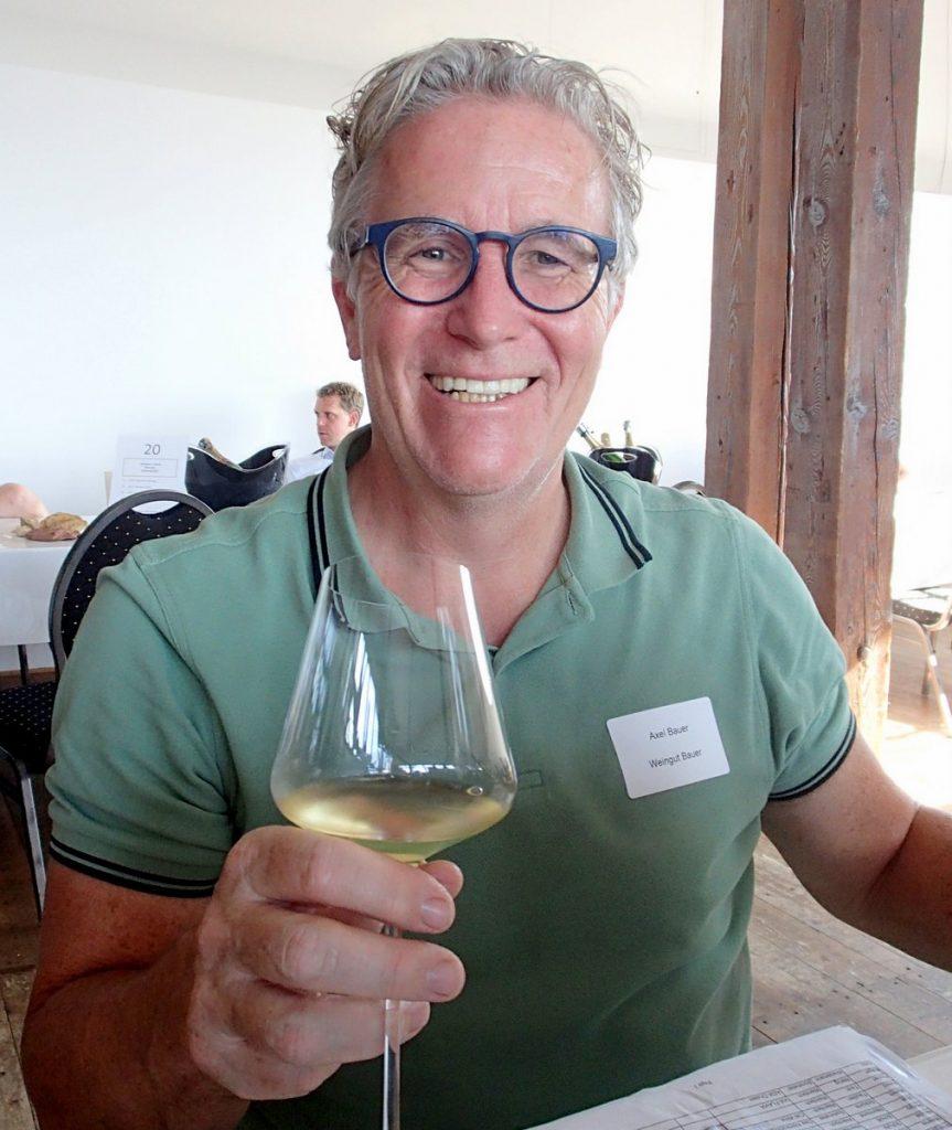 Der Winzer Axel Bauer bei einer Weinverkostung in Hamburg im Maritimen Museum in der HafenCity