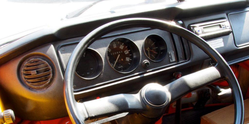 VW Bulli T2 von Armaturenbrett von 1972