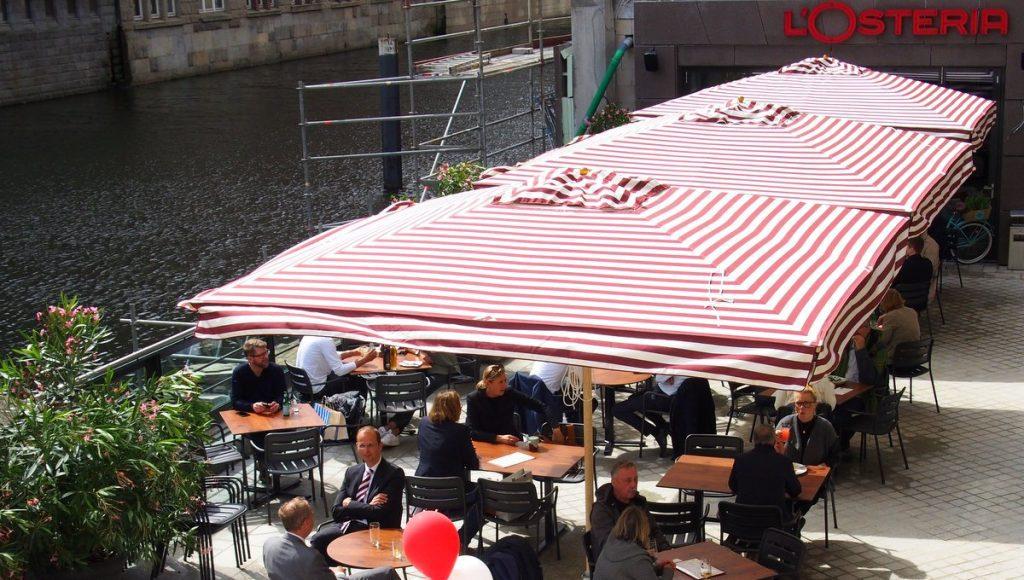 Die Terrasse vom L'Osteria Bleichenbrücke