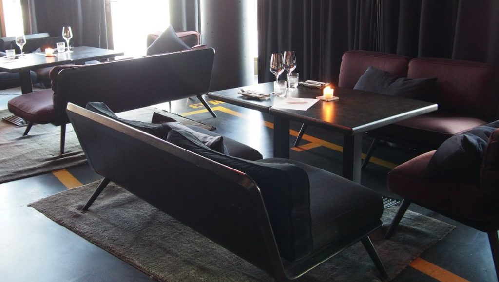Restaurant Heimat Stylish Gut Speisen In Der Hafencity