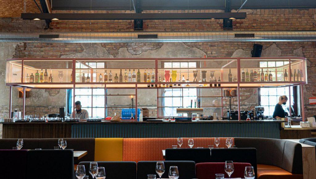 Tim Mälzers Bullerei in Hamburg die Bar