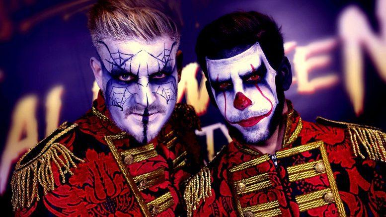 Holger und Bastian Motgomery in Halloween Maske