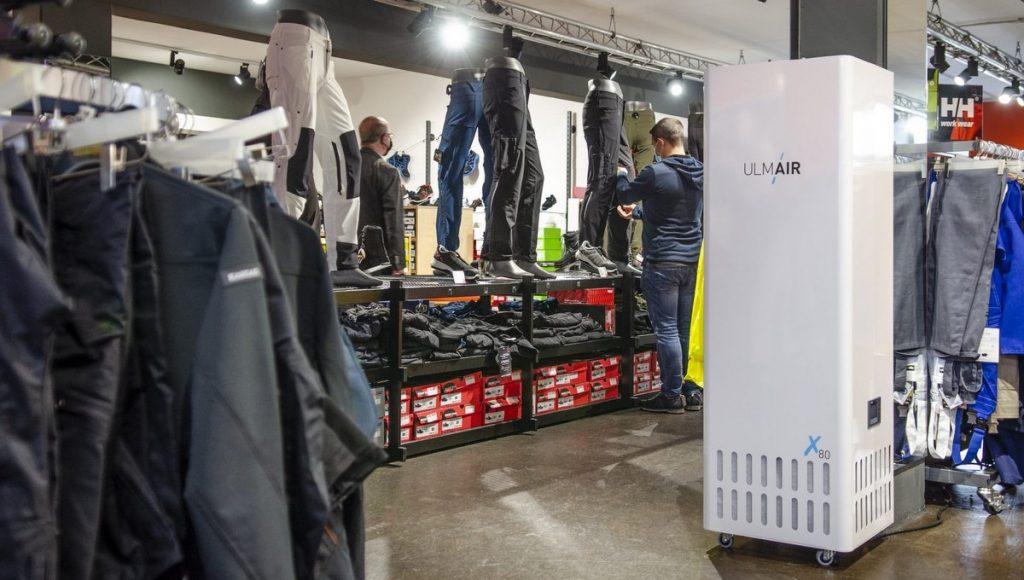 UlmAIR Luftreiniger in einem Sportartikelgeschäft, Werksfoto