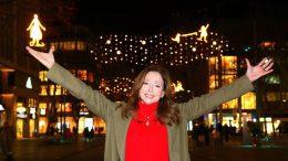 Vicky Leandros vor Mö leuchtet