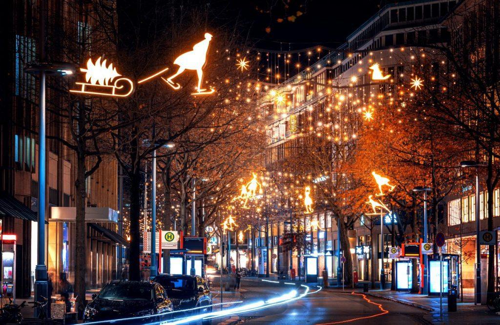 Weihnachtsbeleuchtung auf der Mönckebergstraße