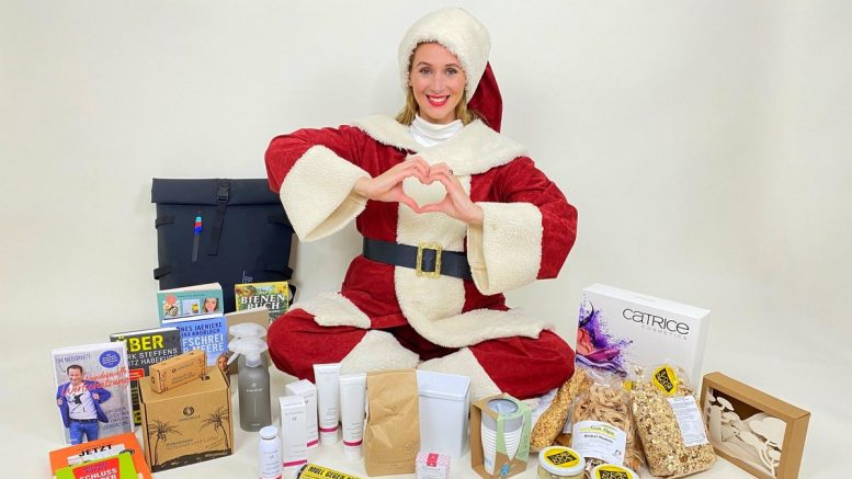 Andrea Gerhard als Weihnachtsfrau