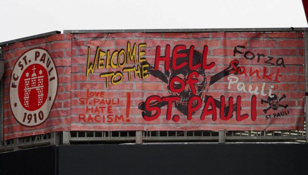 Spannband im FC St. Pauli Stadion Hamburg Millerntor