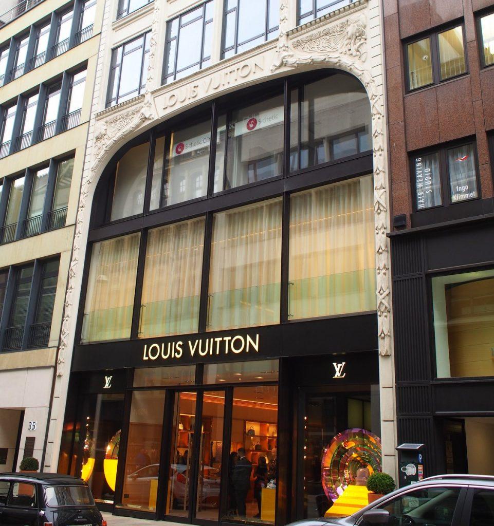 Louis Vuitton Store Straßenansicht Hamburg Neuer Wall