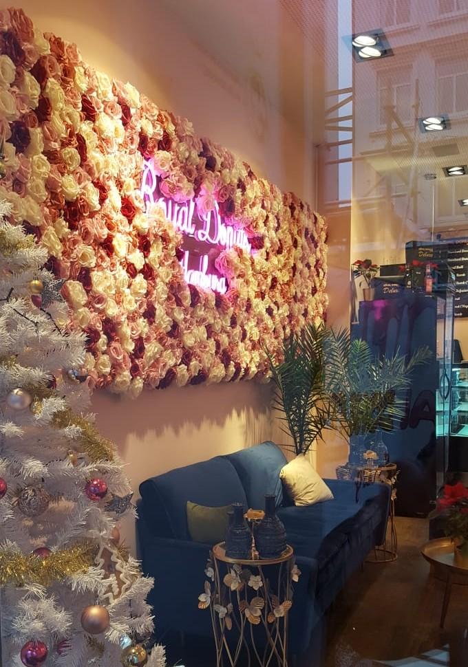 Royal Donut - Wandschmuck aus Kunstblumen