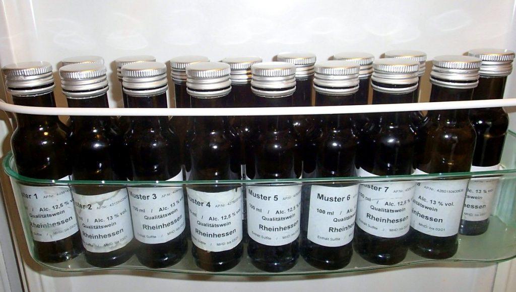 Probierflaschen im Kühlschrank