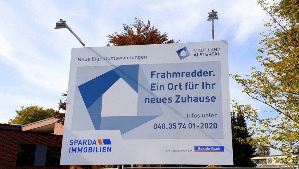 Ein Bauschild der Volksbank Immobilien