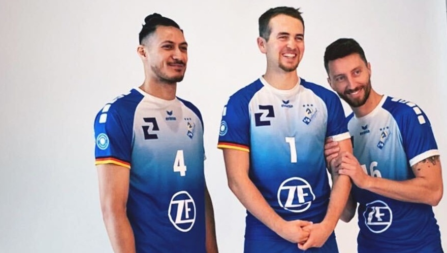 Häfler Trikot mit drei Spielern
