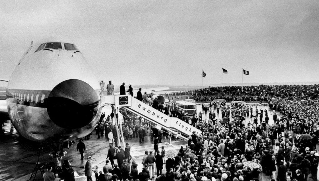 Begrüssung des ersten Jumbo Jets in Hamburg