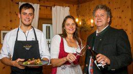 Restaurant Postamt: Gruppento der Hotelliersfamilie Obwegeser in Tirol