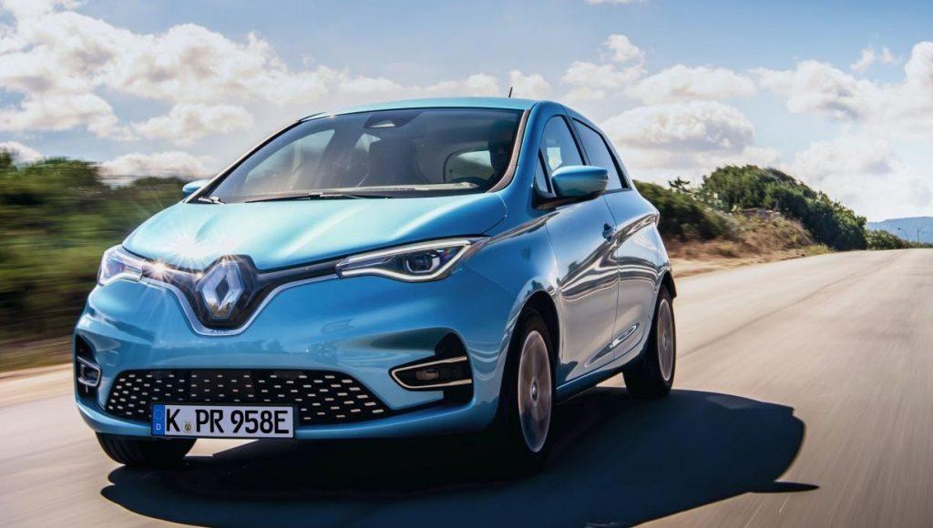 Der Renault Zoe in blaumetallic Fahraufnahme