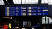 Zuganzeigentafel am Hamburger Hauptbahn Südsteig