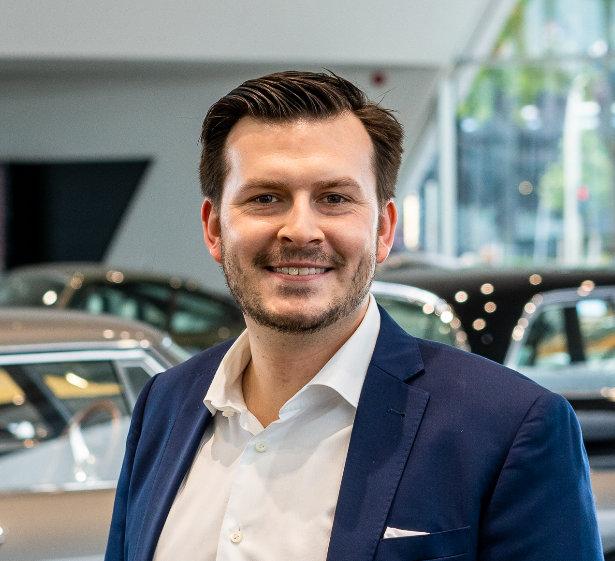 Benjamin David handelt mit Premium Sportwagen