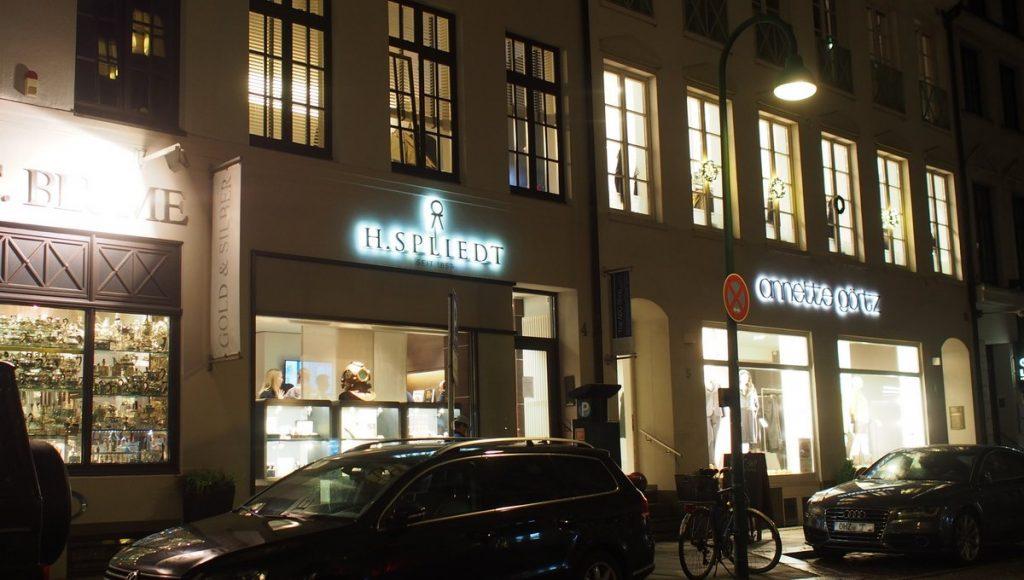 ABC-Viertel Hamburg: Juwelier Spliedt Laden in den Abendstunden