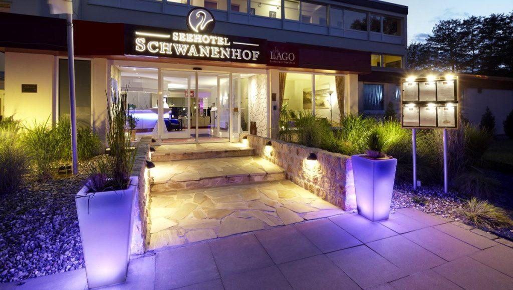 Eingang zum Seehotel Schwanenhof