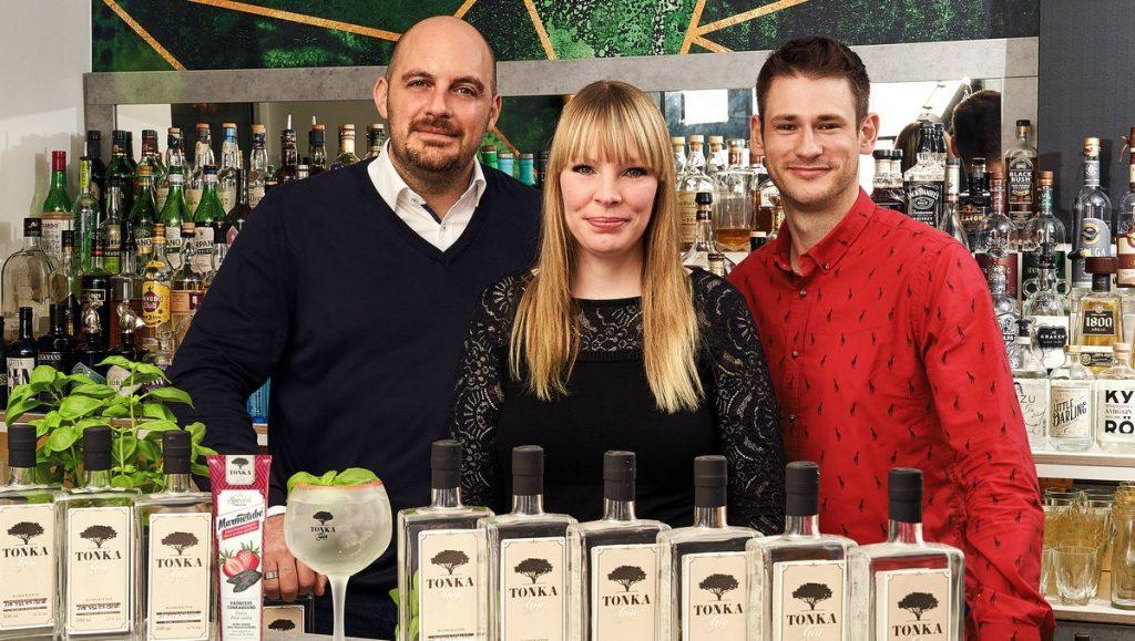 Daniel Soumikh, Stefanie Brach, Daniel Hutschenreuter in der Bar The Reason