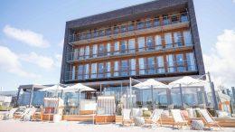 Blick auf das StrandGut Resort in St. Peter Ording
