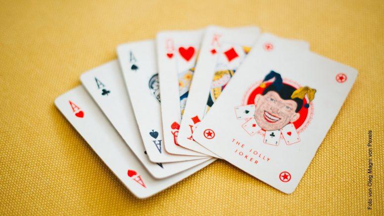 Kartenspiel mit Jokerkarte