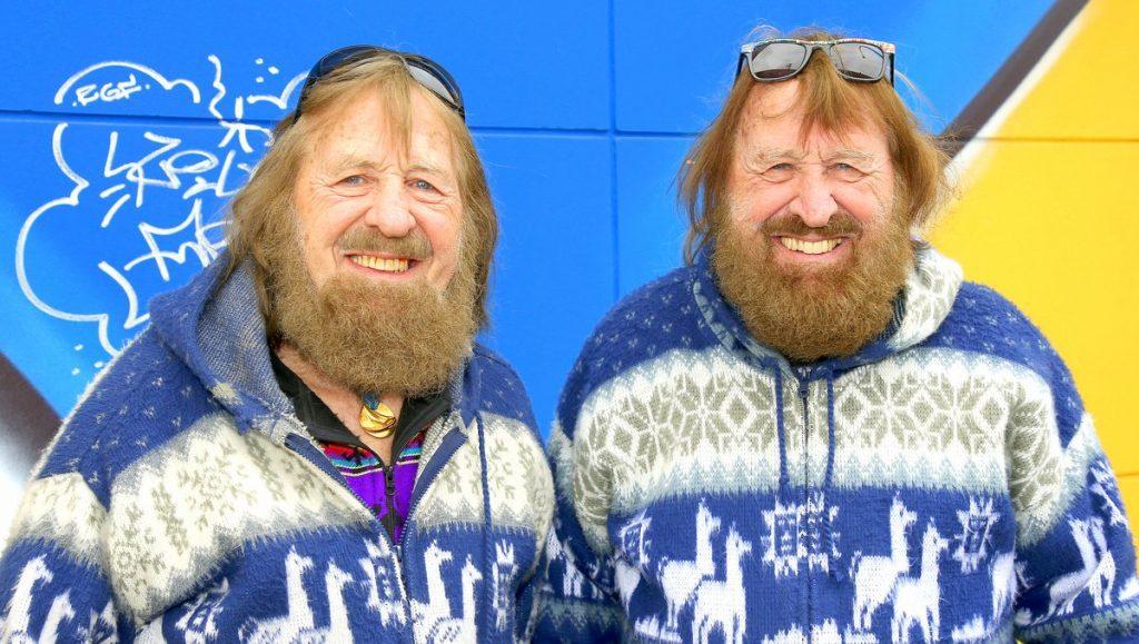 Manfred (links) und Juergen Charchulla - Zwillinge, Surfer
