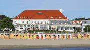 Ansicht von der Ostsee: ATLANTIC Grand Hotel Travemünde