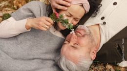 Älteres verliebtes Paar