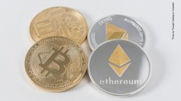 Bitcoin und Ethereum Münze