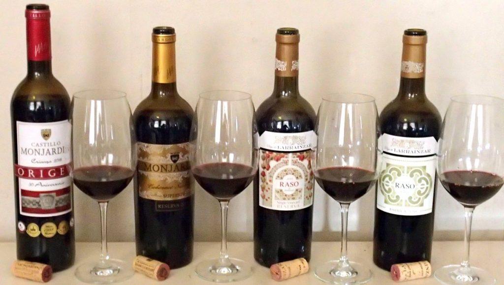 4 Navarra Weinflaschen zur Verkostung