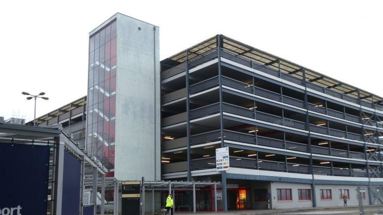 Flughafen Hamburg Parkhaus für Autovermieter