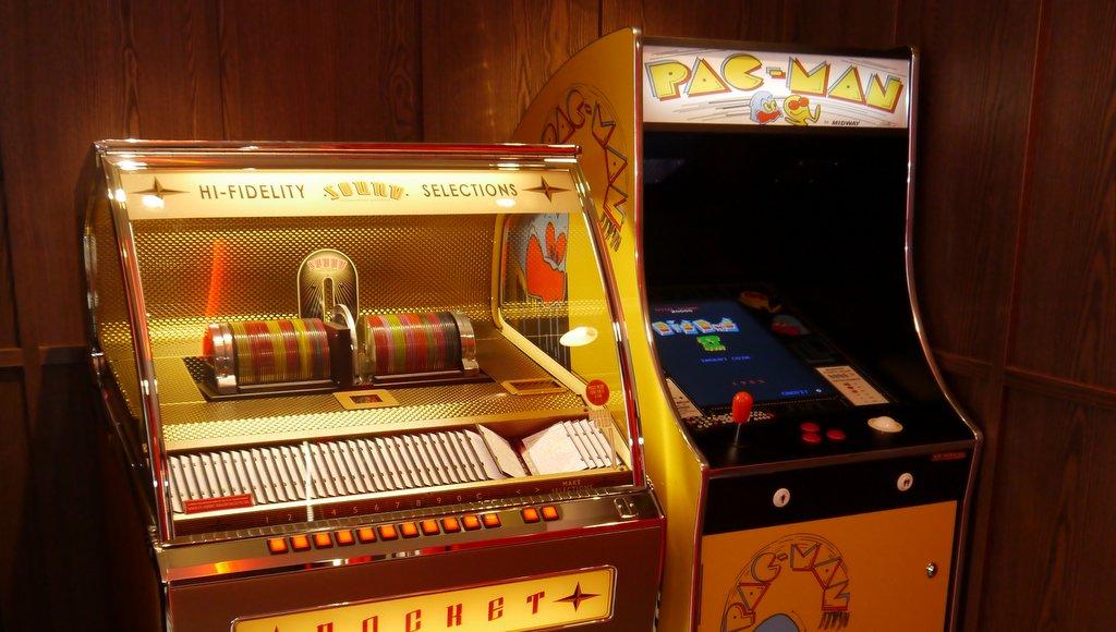 Musikbox und Spielautomat