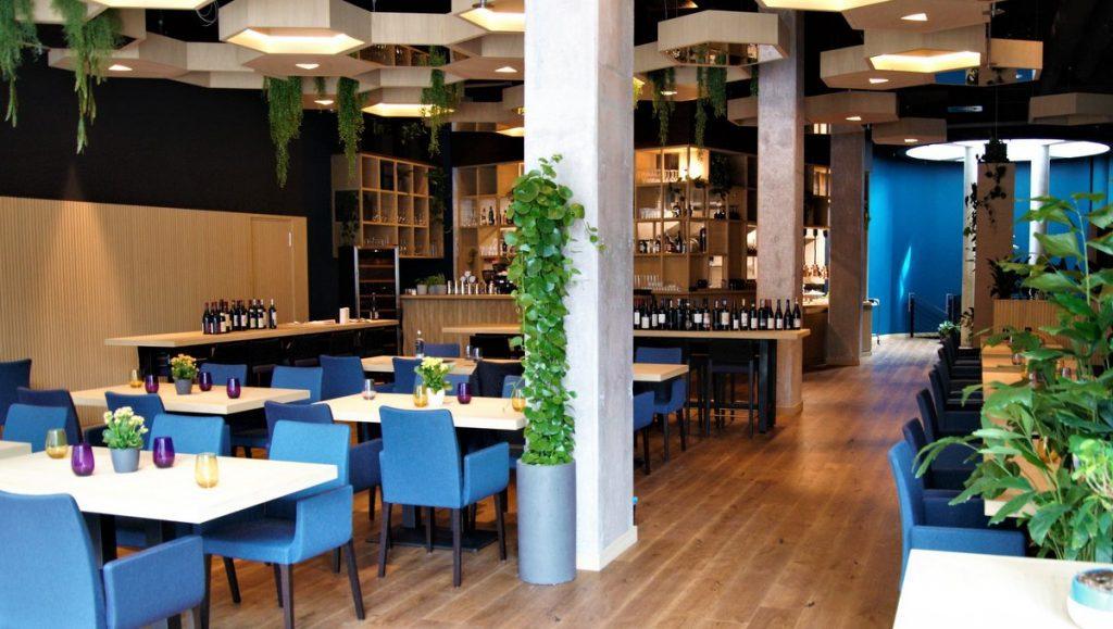 Blick ins Aera 10 Restaurant Gästeplätze