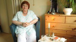 Seelenheilerin Maria Heising in ihrem Behandlungsraum