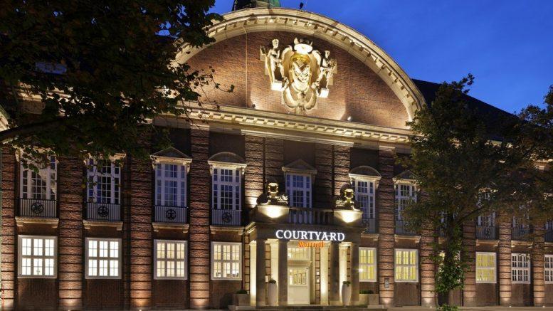 Nachtansicht das Hotels in Bremen