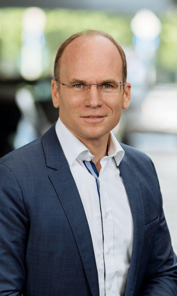 Philipp-von-Witzendorff im blauen Jackett