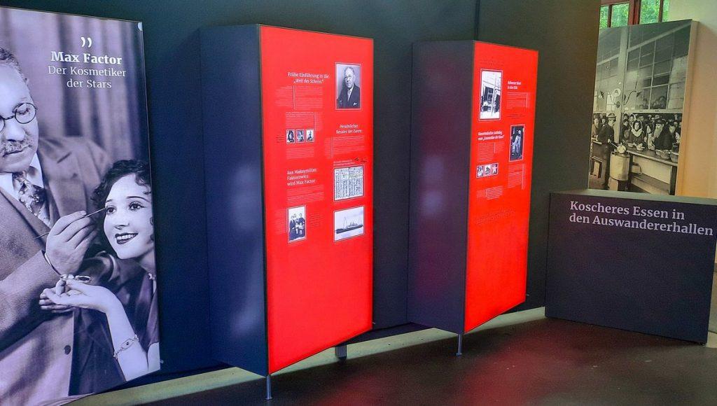 Ausstellungswände im Museum Ballinstadt