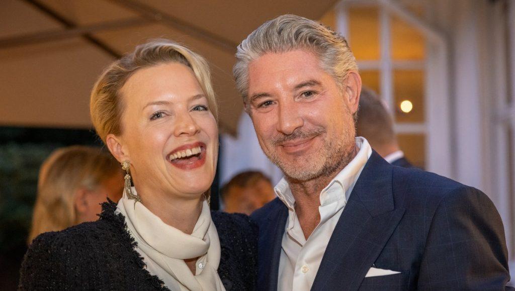 Partyaufnahme: Gräfin Jennifer von Bernstorff mit Andreas Pfaff